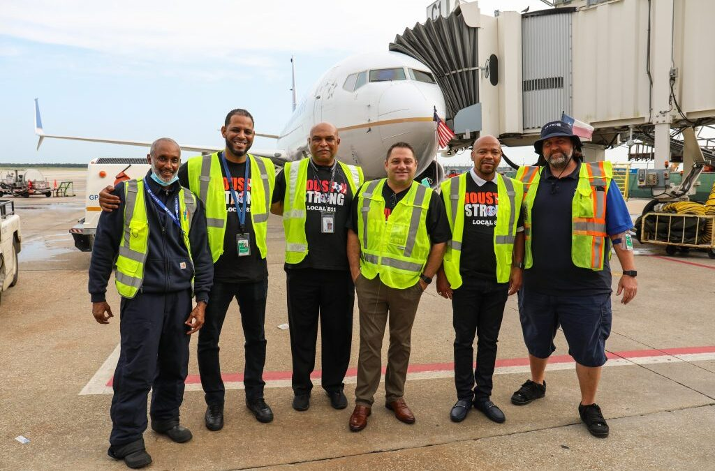 'Houston Strong' IAM Airline Workers Show Solidarity on Labor Day